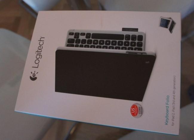Caja del Logitech Keyboard Folio, notad que tiene una pegatina que indica que el teclado es inglés de Estados Unidos