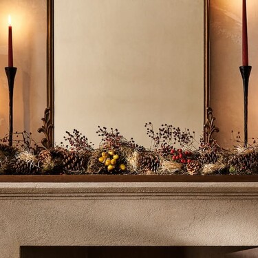 Terciopelo y plumas para la Navidad más sofisticada y luminosa de Zara Home