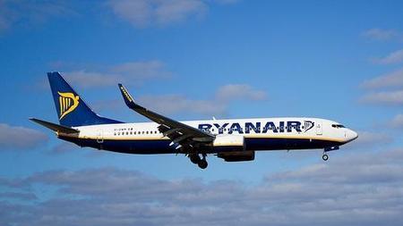 Ryanair cobrará cinco euros más por facturar equipaje durante el verano