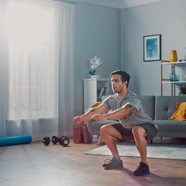 Tres rutinas para construir músculo en casa, sin equipamiento específico