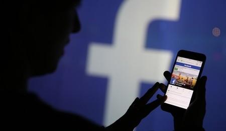 La AEPD multa a WhatsApp y Facebook con 600.000 euros por cruzar datos sin permiso