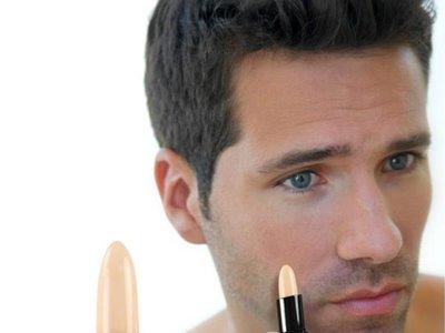 Asos lanza una línea de maquillaje para hombres, solo para hombres
