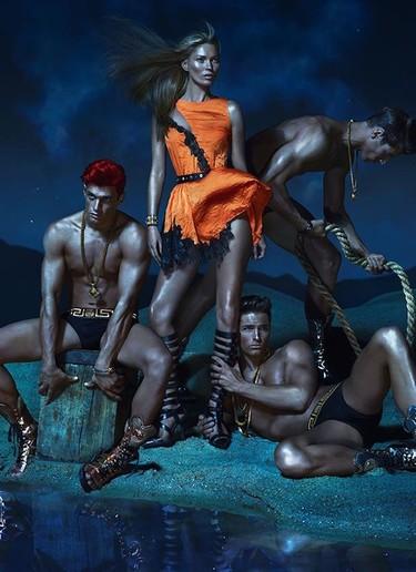 Kate Moss, Daria Werbowy y Joan Smalls son las tres mosqueteras de Versace Primavera-Verano 2013