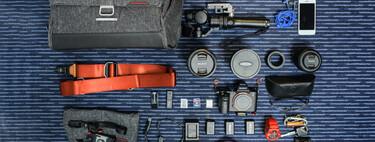 Knolling, qué es y cómo iniciarse en la fotografía de objetos meticulosamente ordenados