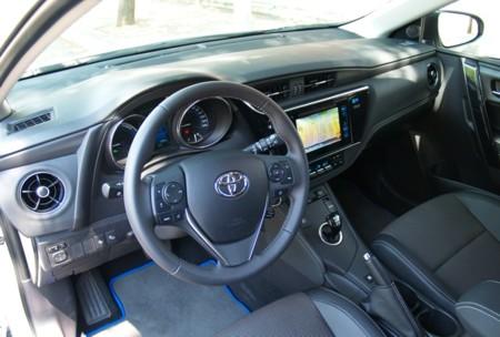 Toyota Auris 2015 Hibrido 11