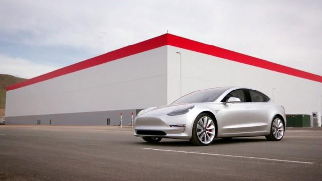 La gigafactoría de baterías de Tesla Motors está a punto de abrir sus puertas: lo hará el 29 de julio