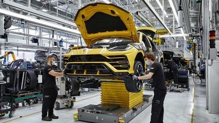 Lamborghini Urus Record 15000 Unidades 4