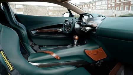 Aston Martin Victor 9