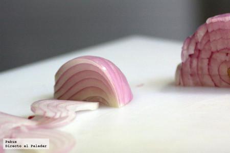 Cortes básicos de la cebolla: en juliana, en aros y en brunoise