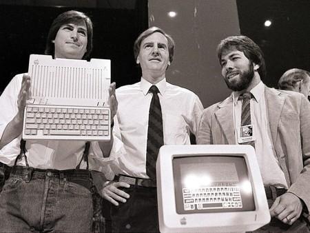 La historia detrás del primer logo de Apple, contada por su propio creador