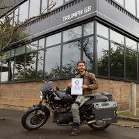 50.000 km, 35 países, 8 meses y una Boneville. Kane Avellano: récord Guinness de vuelta al mundo ¡con 23 años!