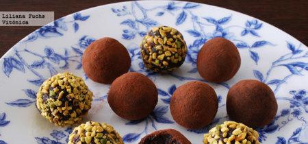Trufas de chocolate veganas. Receta saludable para San Valentín