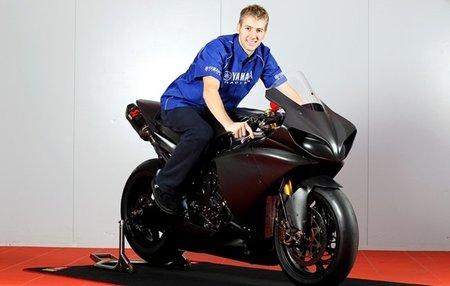 Ian Hutchinson ficha por Yamaha para seguir batiendo records en el TT de la Isla de Man