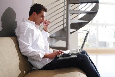 Logitech Portable Lapdesk N315 incorpora soporte para ratón