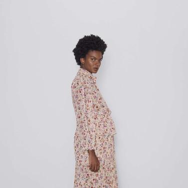 17 looks ideales para embarazada que puedes encontrar en las segundas rebajas de Zara  (y seguir usando después)