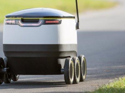 Este robot autónomo ya reparte comida a domicilio: en el centro de Londres el repartidor ya tiene competencia