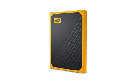 ¿Buscas disco duro rápido y ligero para llevar junto al portátil? En Amazon el WD My Passport Go de 1 TB está rebajado a 127,49 euros