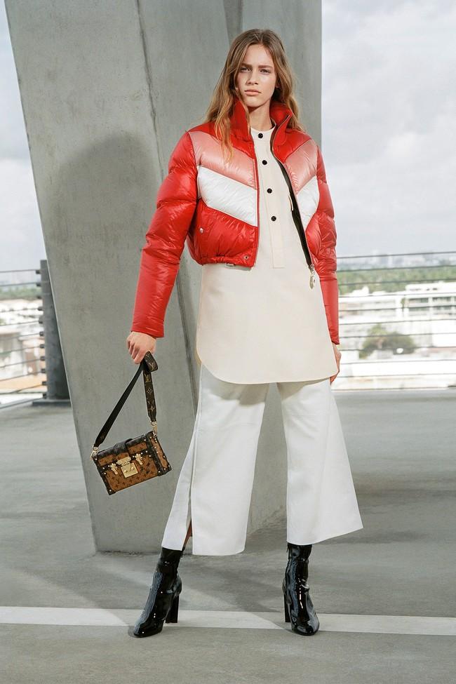 22 Louis Vuitton Pre Fall 17