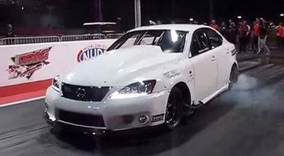 El Lexus que vuela