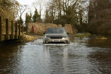 Land Rover Discovery 2021 037