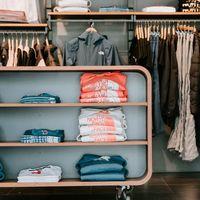 Google añade una sección de ropa en sus búsquedas para facilitar encontrar prendas