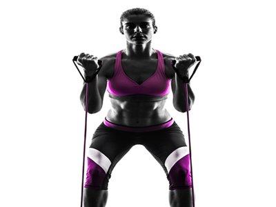 Los nueve mejores ejercicios con bandas elásticas para entrenar todo tu cuerpo