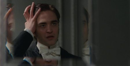 Robert Pattinson en una escena de esta nueva versión de Bel Ami