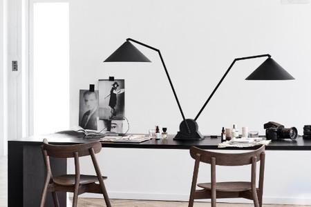 Atención a las lámparas Gear Series que cumplen una doble función; iluminar y llenar los espacios de forma escultórica
