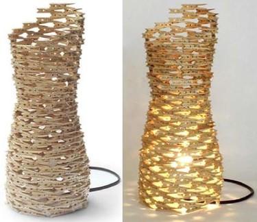 Hazlo tú mismo: una lámpara hecha con pinzas