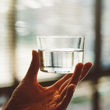Si eres de los que bebe agua embotellada en casa estos dispensadores te harán la vida mucho más fácil