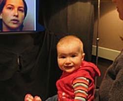 Los bebés distinguen los idiomas por los gestos desde los cuatro meses