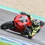 Probamos la Ducati Panigale V2: 155 CV de equilibrio bicilíndrico que te hace sentir piloto