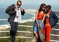 Disfruta a tope de las vacaciones con la campaña Primavera-Verano 2012 de Boss Orange