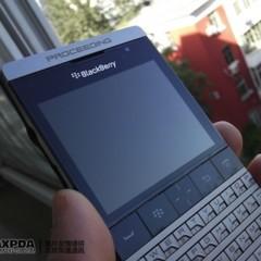 Foto 13 de 39 de la galería blackberry-bold-9980-knight-nueva-serie-limitada-de-blackberry-de-gama-alta en Xataka Móvil