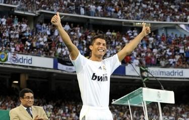 Cristiano Ronaldo en la presentación con el Real Madrid