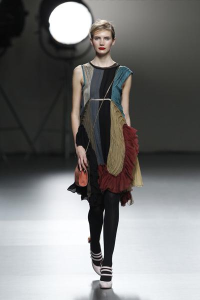 Foto de Victorio & Lucchino en la Cibeles Madrid Fashion Week Otoño-Invierno 2011/2012 (2/10)