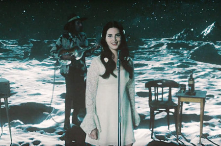 Lana Del Rey Love Look
