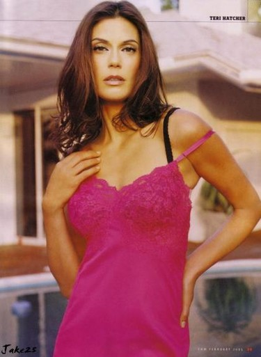 Teri Hatcher, demandada