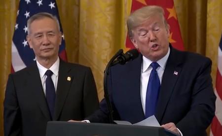 Trump firma la primera fase de un acuerdo comercial que pone en aprietos a China