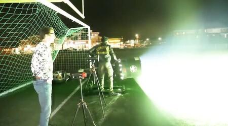 La linterna más potente del mundo: 501.031 lúmenes para batir el récord Guinness