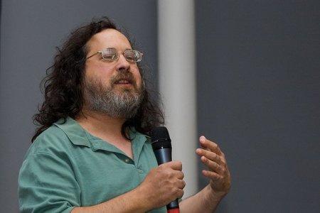 "Stallman sobre Steve Jobs: ""No me alegro de que haya muerto, pero sí de que ya no esté"""
