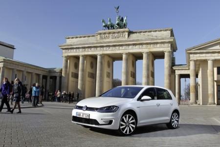 Alemania no llegará al millón de coches eléctricos enchufables en 2020, dicen las consultoras