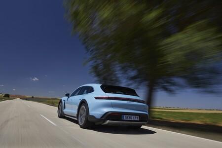 Porsche Taycan Cross Turismo Prueba Contacto 17