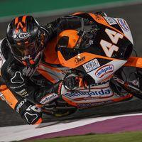 Aron Canet se lleva la primera pole de la temporada en Moto3 y desastre táctico de Fenati