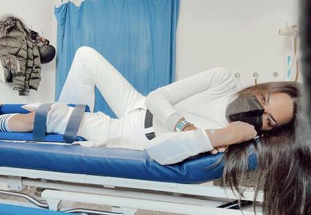 Carla Barber, operada de urgencia tras sufrir un peligroso accidente mientras esquiaba con Diego Matamoros