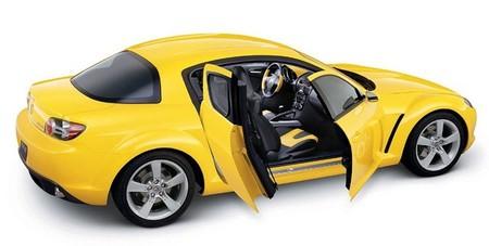 Mazda RX-8 amarillo