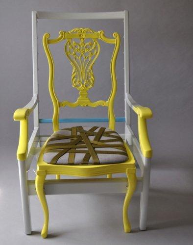 Una silla formada por dos de Karen Ryan