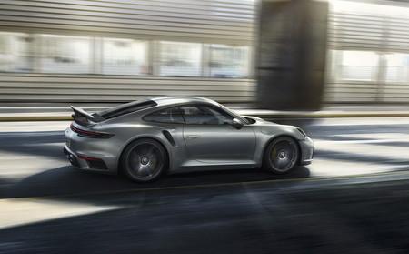 Porsche 911 Turbo S 2021 4