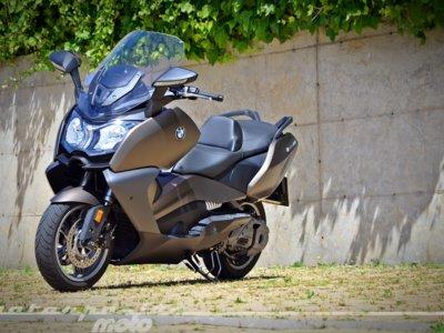 El lujo se apodera de nosotros en el exclusivo BMW C 650 GT, la gran apuesta alemana para los maxi-scooter