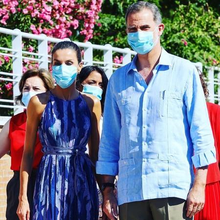 Cuatro modelos para copiar la camisa guayabera del Rey Felipe VI de la que todo el mundo habla